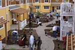 galleries/Construction/thumbnails/planting031102.jpg
